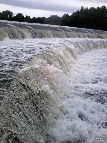 Переливная плотина на Большом Иргизе. Малоперекопное. Балаковский район. Саратовская область.