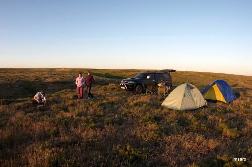 Палаточный лагерь. Природный парк Эльтонский. Озеро Эльтон. Палласовский район. Волгоградская область.